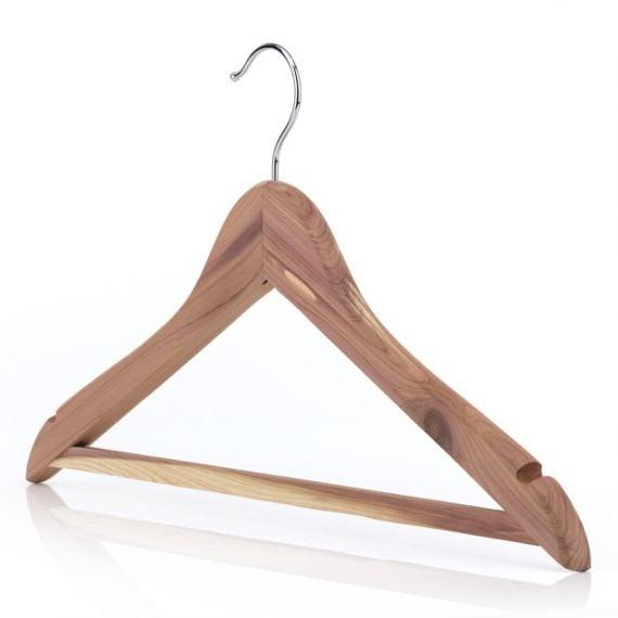 Cedar Wood Hangers With Non-Slip Trouser Bar– 44cm