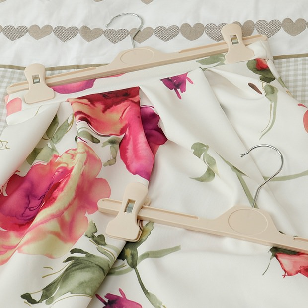 Adjustable Cream Plastic Clip Hangers - 34cm